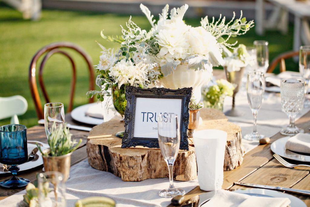 wood wedding decoration for rustic wedding