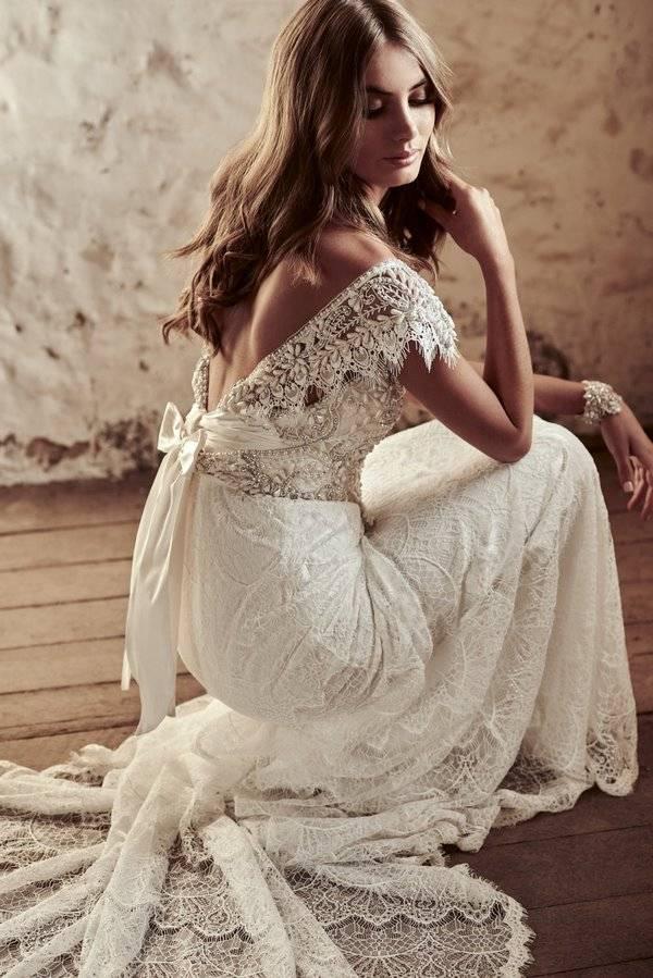 Wedding dress shabby chic style