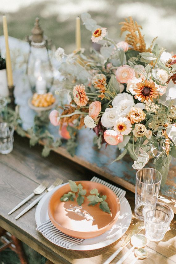 Wildflowers in colorful shades wedding table