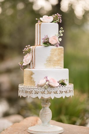 elegant wedding cake on the table