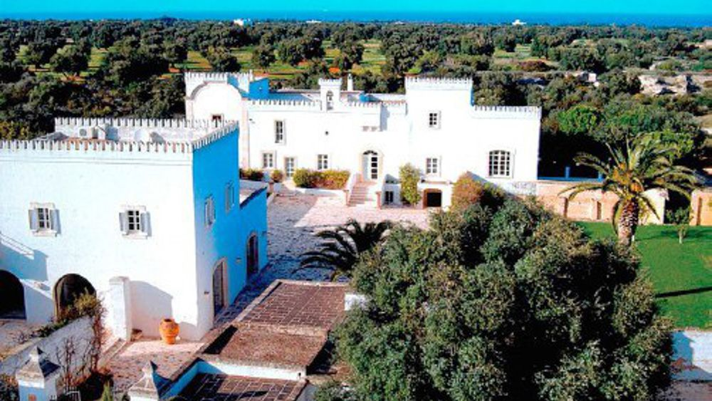 Ostuni, a new ultra-luxury resort: Vuitton buys Veronesi's farmhouse