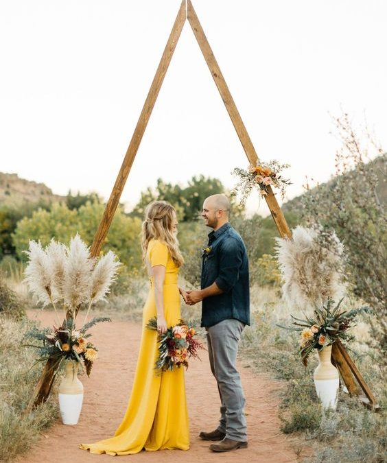 Wedding color 2021: bright yellow and bright gray, full of optimism! For your wedding in Puglia!