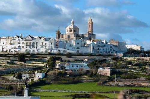 Locorotondo and the 10 most beautiful villages in Apulia